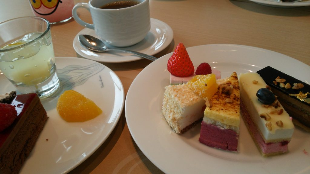 大阪マリオット都ホテル「COOKA(クーカ)」でランチバイキング