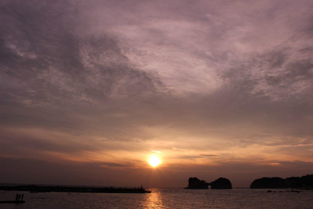 和歌山県で過ごす夏休み、海、夕日、